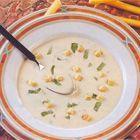 Een heerlijk recept: Koolrabi-crèmesoep Best Lentil Soup Recipe, Red Lentil Recipes, Vegan Zuppa Toscana Recipe, Vegetable Noodle Soup, Vegan Minestrone Soup, Vegan Potato Soup, Baked Green Beans, Coconut Milk Soup, Indian Flat Bread