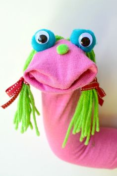 This cute sock puppet comes together in minutes! #Sockpuppets