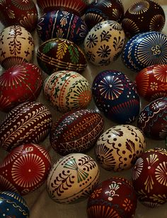 """A basic element of distinctive ornaments on Lemkyvska pysanka's is a drop (""""kraplynka"""") which is believed to be a Mother of Jesus' teardrop Pebble Painting, Pebble Art, Stone Painting, Rock Painting, Egg Crafts, Easter Crafts, Crafts For Kids, Children Crafts, Ukrainian Easter Eggs"""