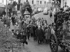 Luciano died on January 26, 1962 of a heart attack. Over 300 people attended his funeral in Naples. His body was conveyed along the streets in a horse drawn black hearse.