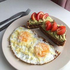 Think Food, Love Food, Healthy Snacks, Healthy Recipes, Food Goals, Aesthetic Food, Food Cravings, Food Inspiration, Breakfast Recipes