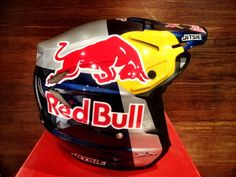 1000 images about red bull helmet on pinterest red bull helmets and le 39 veon bell. Black Bedroom Furniture Sets. Home Design Ideas