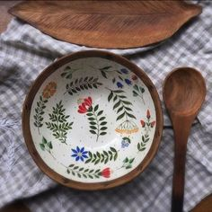 Bowl of inspiration - Geschirr - practical Pottery Painting, Ceramic Painting, Ceramic Art, Ceramic Decor, Ceramic Pottery, Kitchenware, Decorative Plates, Sweet Home, Clay