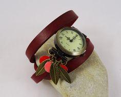 Montre cuir rouge triple tour Sequins et feuilles par Cristalizade