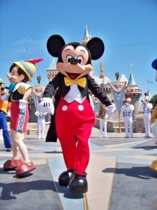 Hotels in Disney – Why should you stay there ?