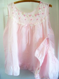 Women's Vintage 1960's Size Large Pink by SecondHandGrace on Etsy