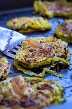 Made it on the grill and it was YUM. This roasted cabbage steaks recipe is simple, fast and delicious. With a sweet-savory balsamic and honey glaze, these thick cabbage slices broiled in the oven are perfect to accompany your grilled . Side Dish Recipes, Vegetable Recipes, Vegetarian Recipes, Cooking Recipes, Healthy Recipes, Steak Recipes, Grilling Recipes, Roast Recipes, Kohl Steaks