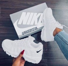 sneakers for men nike Moda Sneakers, Sneakers Mode, Sneakers Fashion, Shoes Sneakers, Women's Shoes, Platform Shoes, Steve Madden Schuhe, Hype Shoes, Fresh Shoes