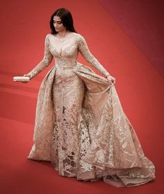 Sonam Kapoor gorgeous lovely looking At cannes 2017 ❤️❤️