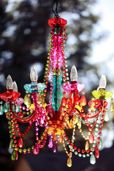 I want this outdoor chandelier rainbow Lustre Exterior, Chandelier Bougie, Painted Chandelier, Outdoor Chandelier, Chandelier Ideas, Rainbow Room, Deco Boheme, Home And Deco, Bohemian Decor