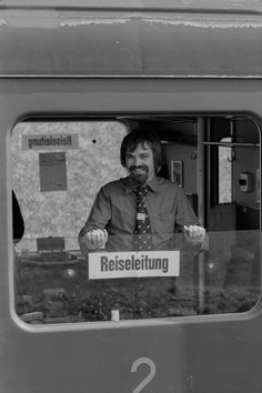 SBB-Zug, Wagen Typ EW I, SBB-Mitarbeiter Trains, Fictional Characters, Zug, Viajes, Fantasy Characters, Train
