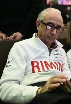 """#elezioni2016 #city4dogs - Rimini, il candidato Pecci gioca la card """"Mi Fido di te"""" :http://www.qualazampa.news/2016/04/29/elezioni2016-city4dogs-rimini-il-candidato-pecci-pensa-alla-card-mi-fido-di-te/"""