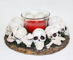 SKULL IN ROUND CIRCLE CANDLE