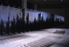 "Dans sa série ""Layered Drawing"", Nobuhiro Nakanishi nous immerge dans les phénomènes naturels tels que nous les percevons en temps réel.  L'idée de..."