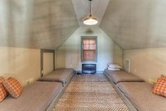 vaulted loft with guest beds
