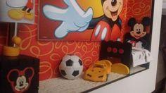 cuarto niño con Mickey 3 by SuMer miniaturas