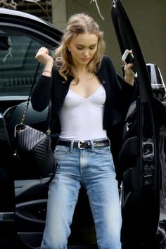 Lily Rose Depp - Arrives at a Studio in Los Angeles, CA Lily-Rose Depp Style, Outfits and Clothes. Lily Rose Depp Style, Lily Rose Melody Depp, Lily Rose Depp Chanel, Estilo Ivy, Mode Outfits, Fashion Outfits, Preppy Outfits, Lily Depp, New Mode