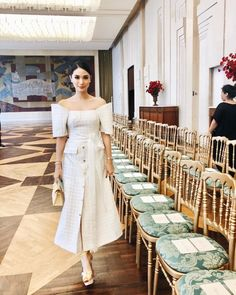 Most up-to-date Free of Charge heart evangelista Bridal Robe Ideas Wedding and reception gowns aren't only a sensible technique to protect clothes, make-up as well a Modern Filipiniana Gown, Filipiniana Wedding, Wedding Dress, Heart Evangelista Style, Heart Evangelista Wedding, Filipino Wedding, Chic Outfits, Fashion Outfits, Fashion Tips