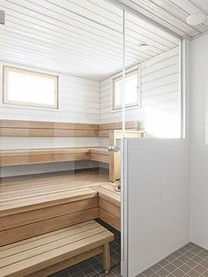 Low EMF Infrared Sauna - Advantages & Available Models Bad Inspiration, Bathroom Inspiration, Saunas, Steam Room Shower, Ski Lodge Decor, Sauna Design, Finnish Sauna, Steam Sauna, Lap Pools