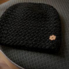 White cap big mesh 100% natural color Alpaca handmade in Bolivia, design in France by Ulalatika