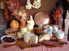 in a Romanian kitchen. Cheese Table, Bruchetta, Sicilian Recipes, Sicilian Food, Good Food, Yummy Food, Romanian Food, Wine Cheese, Love Eat