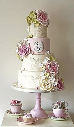 only the top tier - then have mini cupcakes each with a tiny hydrangea bloom on it wedding cake Country Garden Wedding Cake Beautiful Wedding Cakes, Gorgeous Cakes, Pretty Cakes, Amazing Cakes, Wedding Cakes With Cupcakes, Cupcake Cakes, Mini Cupcakes, Cake Wedding, Wedding Cards