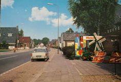 Loenen op de Veluwe - Eerbeekseweg richting Eerbeek 70er jaren → Hier in  het huis rechts heb ik eens kantoor artikelen met mijn moeder gekocht. Raar want normaal gingen we naar Rijken.