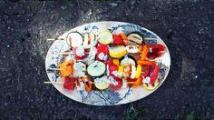 grillspyd halloumi og vannmelon Caprese Salad, Cobb Salad, Dinner, Food, Dining, Food Dinners, Essen, Meals, Yemek