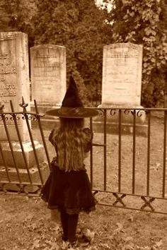 Totally reminds me of myself when I was a little girl. I was a witch for Halloween. One of my most memorable costumes.