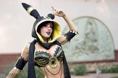 Jessica Nigri as Umbreon cosplay AT BlizzCon. Photo by Estrada Photography. Continued on the official website. Pokemon Cosplay, Anime Cosplay, Cosplay Outfits, Cosplay Girls, Cosplay Ideas, Jessica Nigri Cosplay, Xbox, Nintendo, Workout Shirts