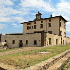 Forte Belvedere of Florence  We LOVE Firenze  #wonderful #florence #iloveyou #firenze #ilovetuscany #igersfirenze #instadaily #instacool #instalove #igers #italia #chiantilovers #instatravel #volgoitalia #chiantilife #chianti #love #castle #art #placetobe #beautiful #italy