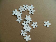 12 Holzblüten Holz Blüten Blumen Frühling Sommer Tischdeko Streudeko weiß Ebay, Summer Recipes, Wood