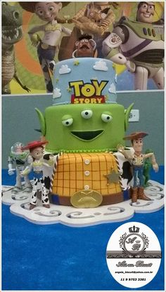 ANGELA ROCHA BISCUIT * *Bolo cenográfico Toy Story
