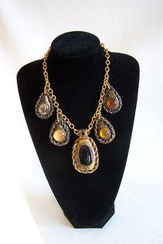 Collier cuivré avec 5 cabochons jaune, ambre et noir Collier pampilles tons chauds cuivre et ambre de la boutique OthersJewels sur Etsy