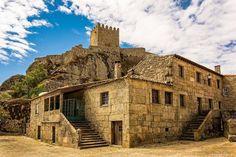 Os 10 mais bonitos castelos de Portugal - Castelo de Sortelha Places In Portugal, Visit Portugal, Portugal Travel, Palaces, Beautiful Places To Visit, Places To See, Castle House, Historical Monuments, Douro Valley