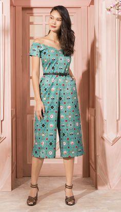Macacão Amelie Verde | Antix Fashion Sewing, Girl Fashion, Womens Fashion, Casual Dresses, Casual Outfits, Summer Dresses, 30 Outfits, Fashion Outfits, Costura Fashion