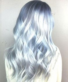 Love this icy blue shade by the amazing Mirella Manelli what is your dream hair color? Icy Blue Hair, Icy Hair, Short Blue Hair, Ash Blonde Hair, Hair Color Blue, Pastel Hair, Hair Colours, Summer Hairstyles, Weave Hairstyles