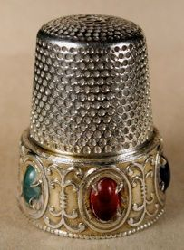 I love thimbles with cabochons.