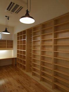 家族で使える図書室(Shell-house) - 収納事例|SUVACO(スバコ) もっと見る