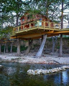 We're back in #Texas tonight on an all-new episode of #TreehouseMasters! We've had the privilege of creating some spectacular Texas #treehouses in the past, and tonight's build continues the trend. Catch it at 9 on @animalplanet. #tothetrees #hodor