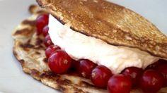 Recept - Flensje met rode bessen en slagroom - met Zonnigfruit