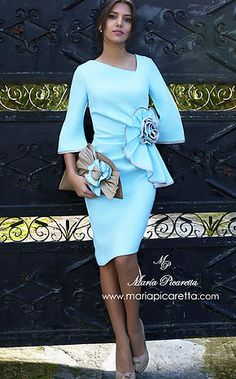 Vestidos de Cóctel Mom Dress, Peplum Dress, Dress Up, Flowery Dresses, Pretty Dresses, Modest Fashion, Fashion Dresses, Mother Of Bride Outfits, Dress To Impress