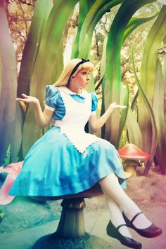Character: Alice / From: Walt Disney Animation Studios 'Alice in Wonderland' / Cosplayer: Unknown
