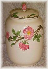 Vintage Franciscan Desert Rose - COOKIE JAR / i had the whole set of dish's. Vintage Dishes, Vintage China, Desert Rose Dishes, Franciscan Ware, Rose Cookies, Tea Party Table, Shabby Chic Theme, Wedding China, Kitchen Jars