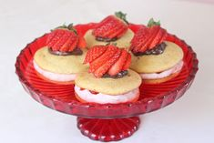 Tarun Taikakakut: Whoopies-Leivosten Ohje + Täytteitä Decorative Bowls, Cheesecake, Desserts, Tailgate Desserts, Deserts, Cheesecakes, Postres, Dessert, Cherry Cheesecake Shooters