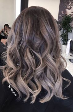 Fantastic Pic Balayage hair blonde ashy Ideas Summer's as you go along! And all of our thought processes use better, lighter, more thrilling in Ashy Hair, Balayage Hair Blonde, Brown Blonde Hair, Medium Blonde, Princesa Alice, Mushroom Hair, Hair Highlights, Gorgeous Hair, Hair Looks