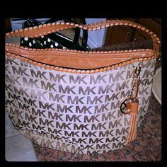Michael Kors Bennet hobo Michael Kors Bennet jacquard leather trim hobo logo purse,  in good condition Michael Kors Bags Hobos