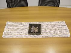 Arte Brasil   Caminho de mesa em crochê de grampo - Vilma Maurer