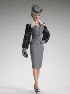 Brenda Starr | Arrival at Port | Tonner Doll Company