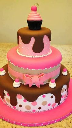 So cute! #cake #yum #chocolate #cupcake this would be perfect for @Stephanie Close Povaznik! Love it!